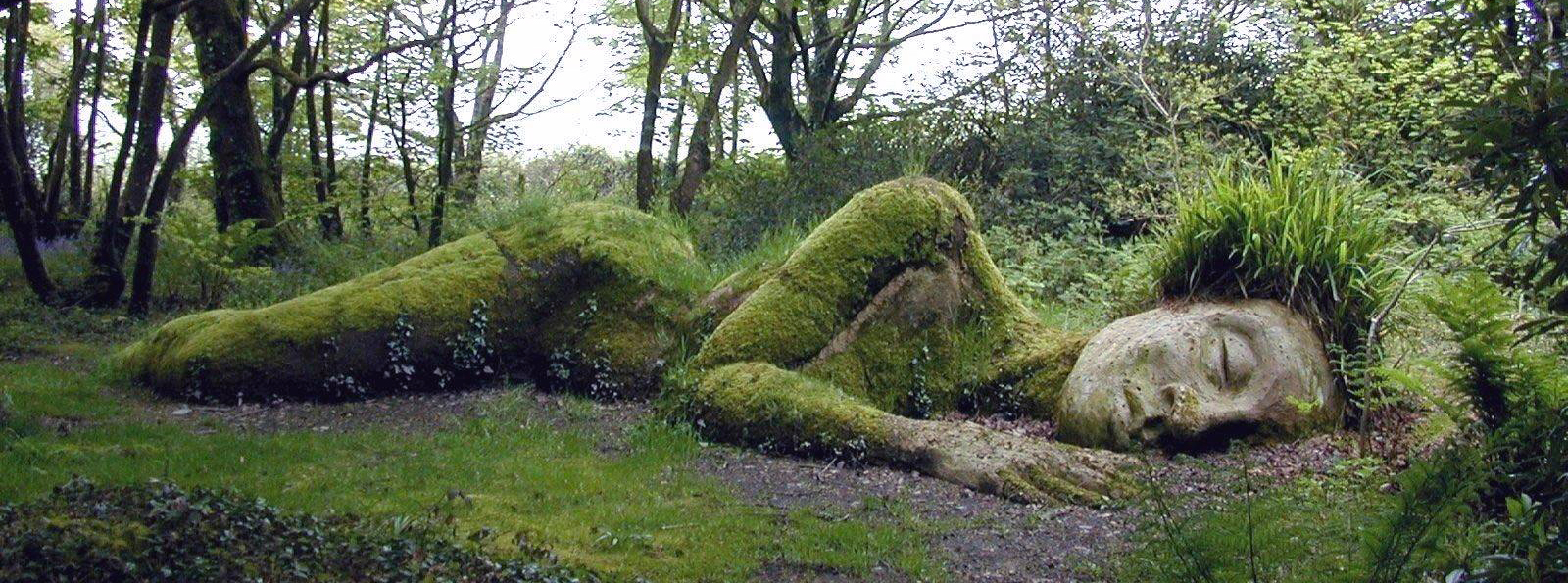 sleeping-goddess-at-the-lost-gardens-of-heligan-england-picture1